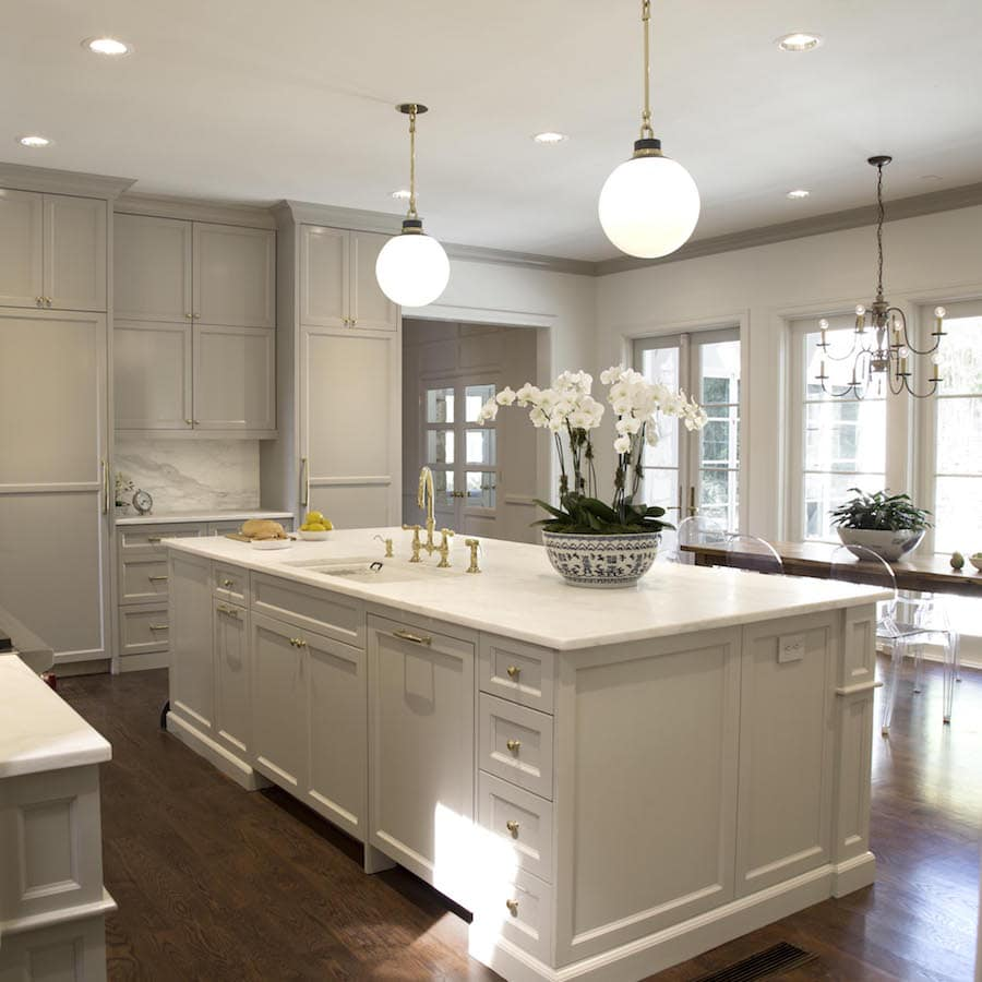 Painting Crown Molding To Match Cabinets An Example In Sherwin Williams