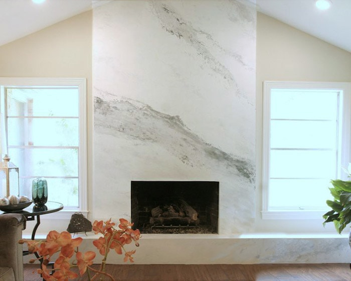 Plaster finish to imitate Calacatta Gold marble by Paper Moon Painting, San Antonio plaster applicator