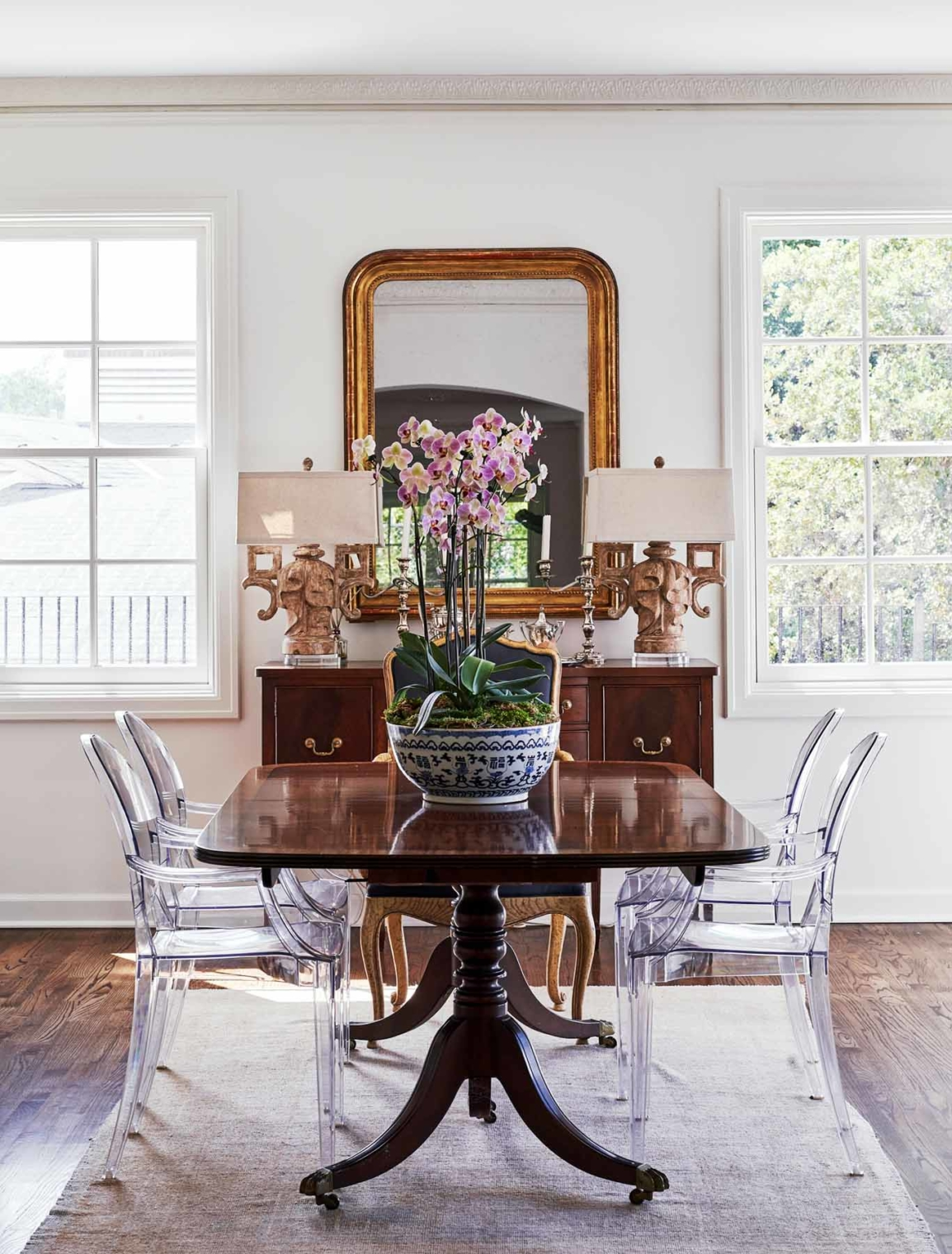 Elegant traditional dining room painted white by Paper Moon Painting, Alamo Heights home painter