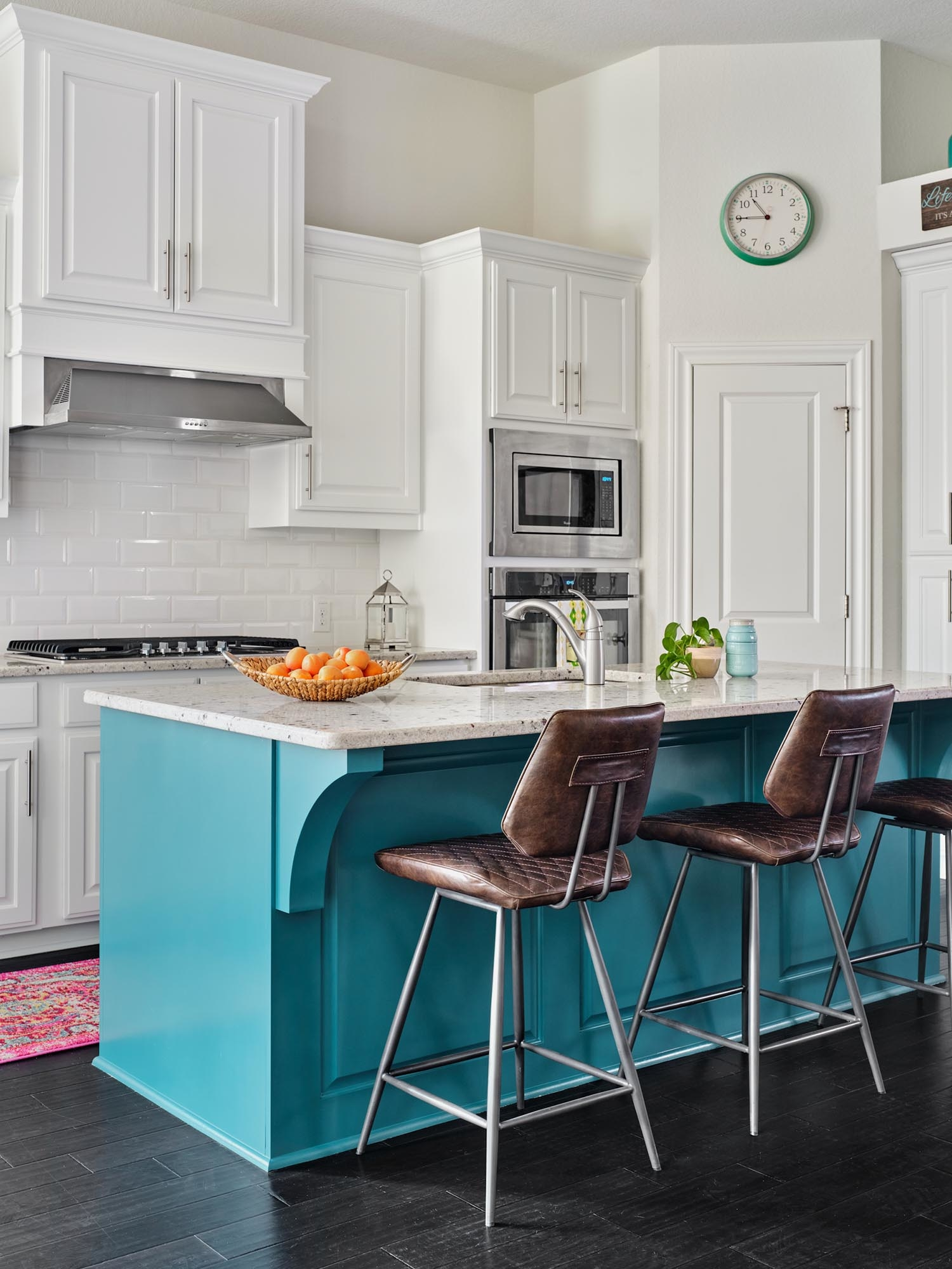 Two tone kitchen in Sherwin Williams Extra White, Benjamin Moore Naples Blue, San Antonio cabinet painting